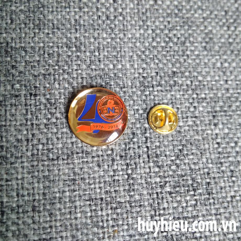 Huy hiệu đồng tròn 43