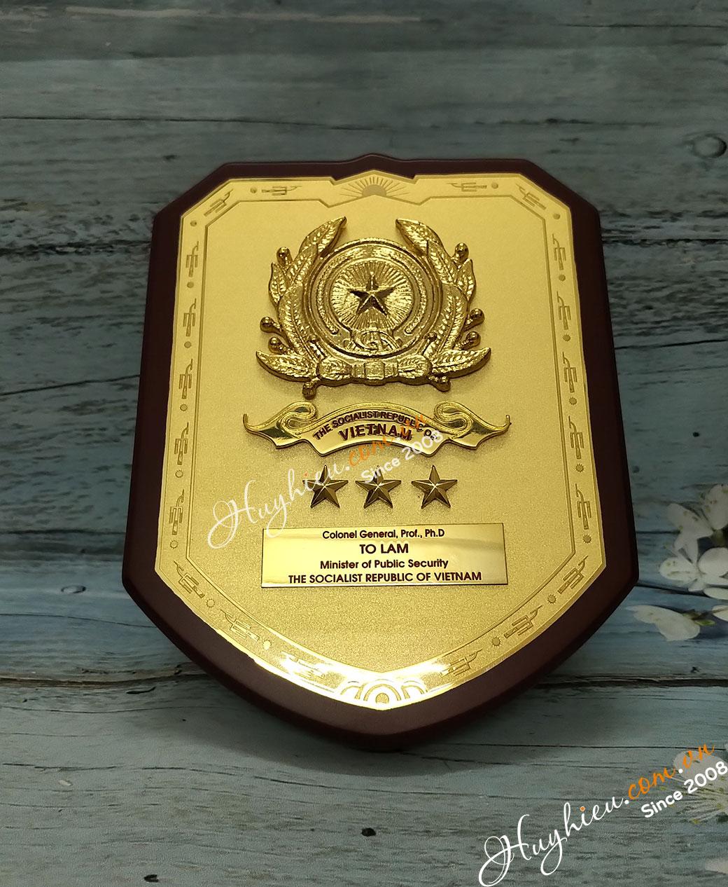 Biểu trưng gỗ đồng 10
